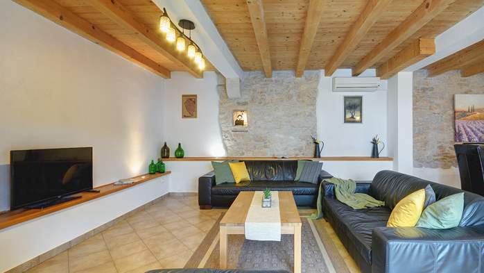 Villa on 2 floors, with pool and terrace in central Istria, 18