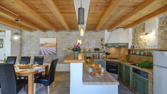 Villa on 2 floors, with pool and terrace in central Istria, 26