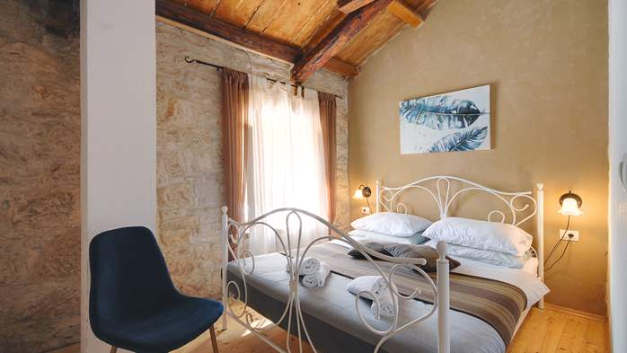 Villa on 2 floors, with pool and terrace in central Istria, 31
