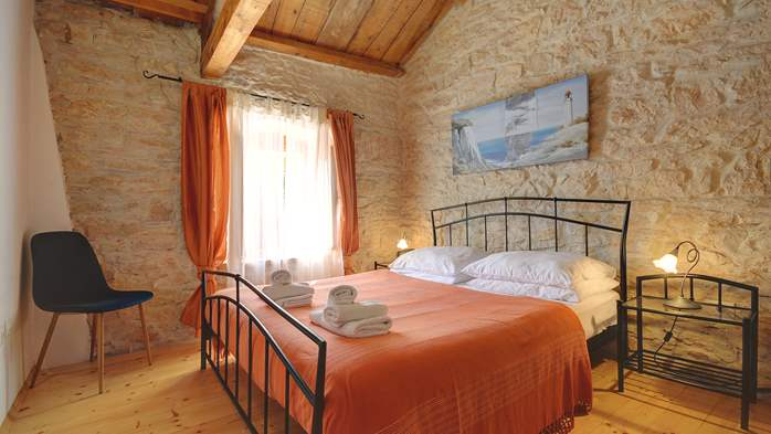 Villa on 2 floors, with pool and terrace in central Istria, 37