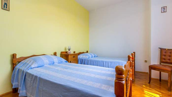 Spacious apartment on two floors for 10-12 persons, 5 bedrooms, 3
