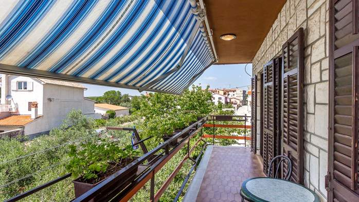 Spacious apartment on two floors for 10 persons, 5 bedrooms, 9