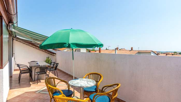 Spacious apartment on two floors for 10-12 persons, 5 bedrooms, 12