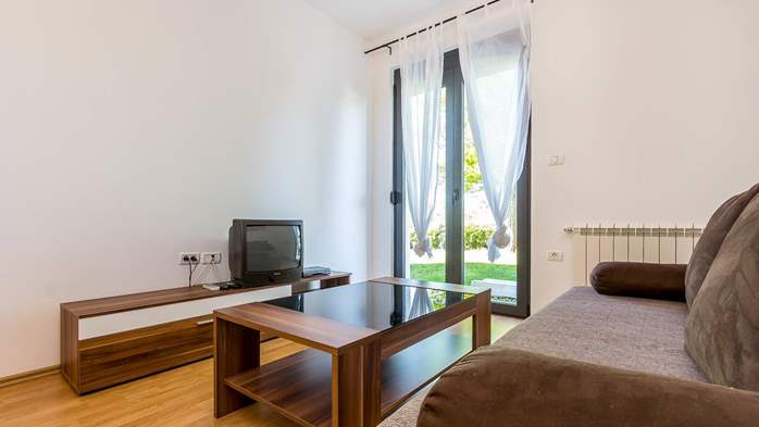 Bright and pleasant apartment in Štinjan, with WiFi, SAT-TV, 4