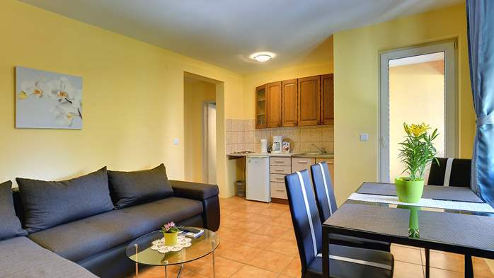 Apartment for 4 persons with pleasant ambience, private balcony, 1