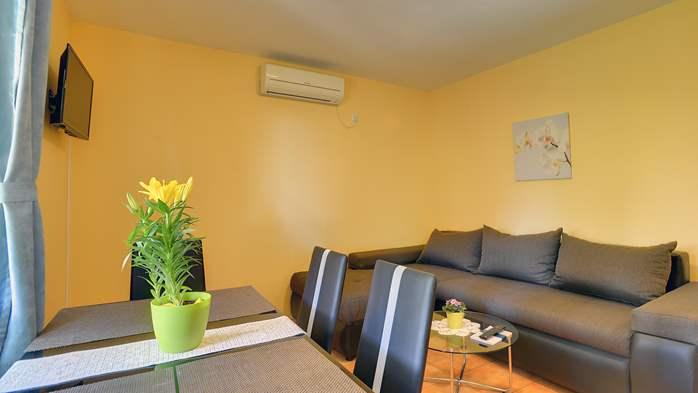 Apartment for 4 persons with pleasant ambience, private balcony, 3