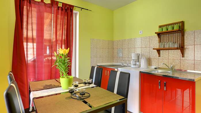 Apartment of cheerful colors, modern design, pool, terrace, WiFi, 3