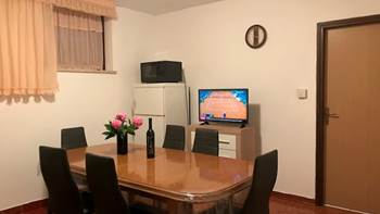 Apartment in Banjole with shared outdoor pool and free WiFi, 4
