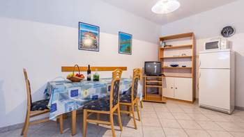 Apartment in Banjole with shared pool, parking place and WiFi, 9