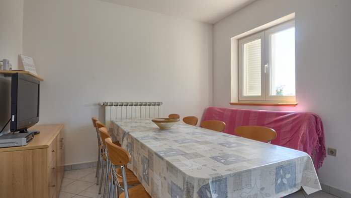 Apartment for family and friends in Medulin with 4 bedrooms, 3