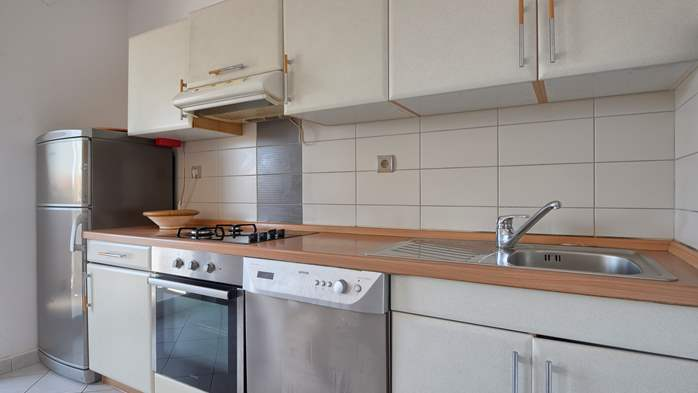 Apartment for family and friends in Medulin with 4 bedrooms, 4