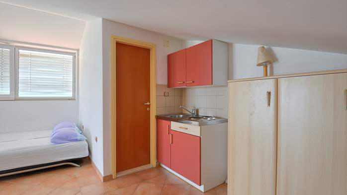 Spacious apartment for 10 persons on two floors in Medulin, 10