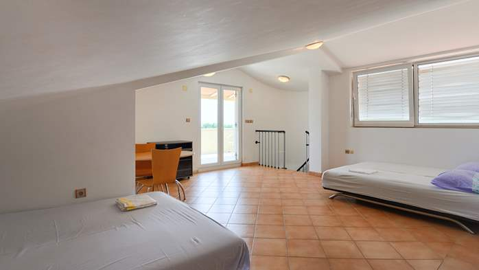 Spacious apartment for 10 persons on two floors in Medulin, 11