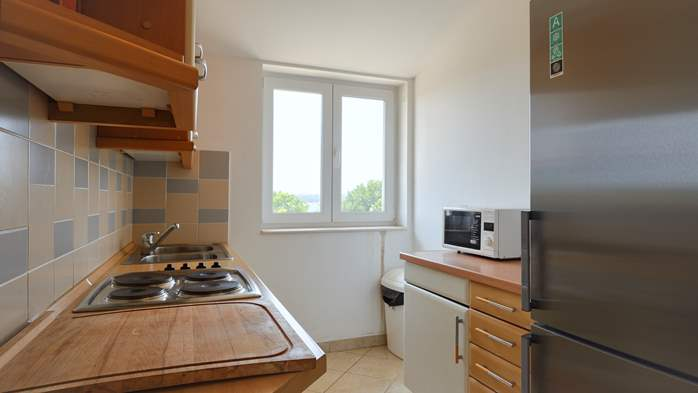 Spacious apartment for 10 persons on two floors in Medulin, 3