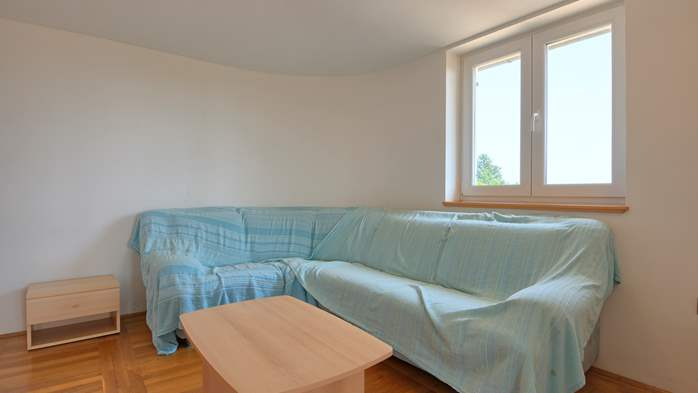 Spacious apartment for 10 persons on two floors in Medulin, 2