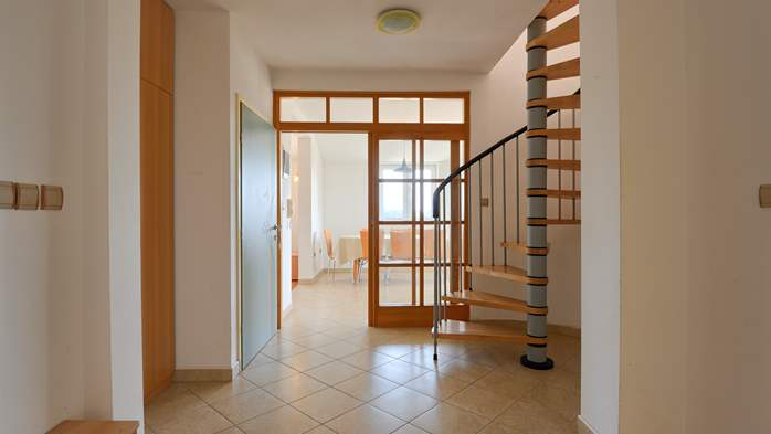 Spacious apartment for 10 persons on two floors in Medulin, 7