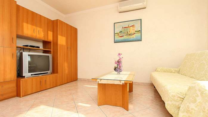 Family apartment with two bedrooms, balcony, barbecue, WiFi, 2