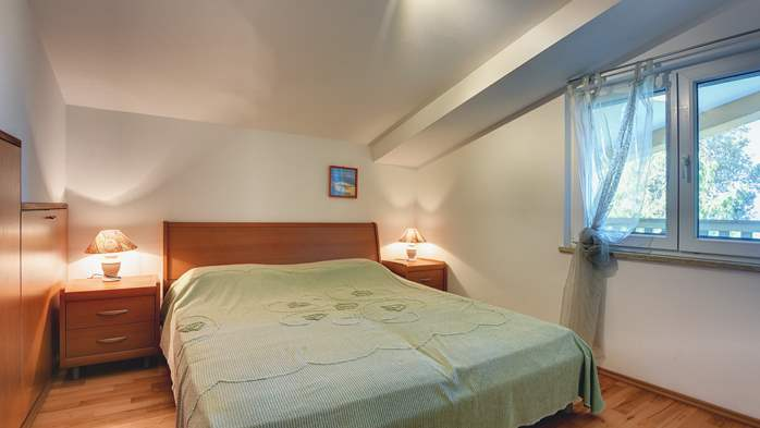 Family apartment with outdoor pool and two bedrooms, observatory, 8