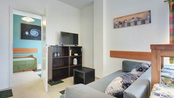 Family apartment with outdoor pool and two bedrooms, observatory, 3