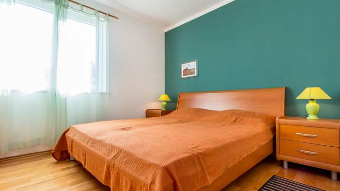 Nice, comfortable two-bedroom apartment for 4 persons, playground, 5