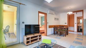 Nice, comfortable two-bedroom apartment for 4 persons, playground, 8