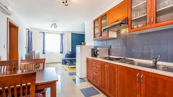 Nice apartment for 4 persons with terrace, gym and playground, 3
