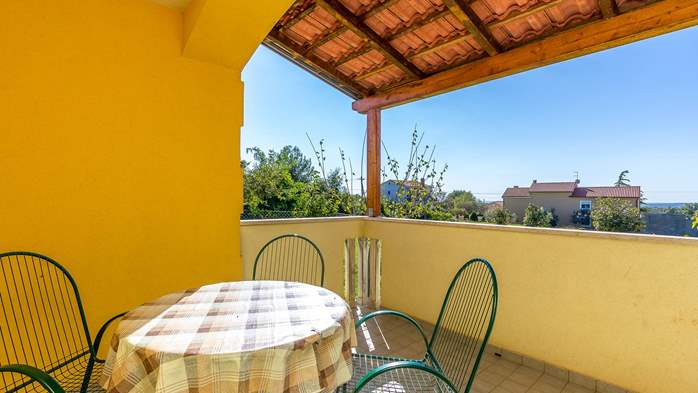 Nice apartment for 4 persons with terrace, gym and playground, 9