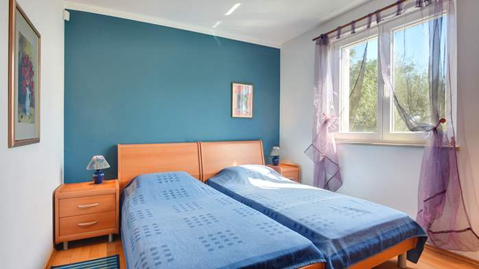 Nice apartment for 4 persons with terrace, gym and playground, 11