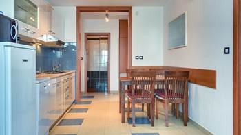 Nice apartment for 4 persons with terrace, gym and playground, 6