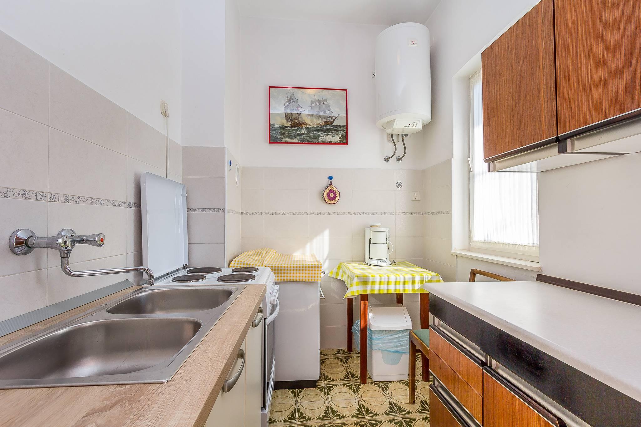 Prenotate un appartamento con giardino in comune a medolino for Appartamenti con 2 camere matrimoniali vicino a me