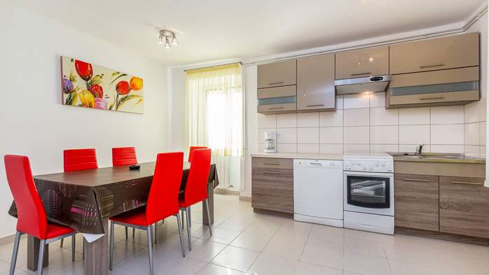 Family apartment with two bedrooms and private terrace, 1