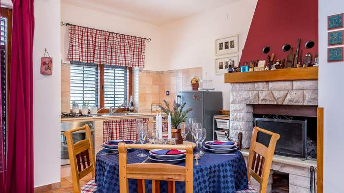Beautiful, air-conditioned apartment for 4 persons in Vinkuran, 4