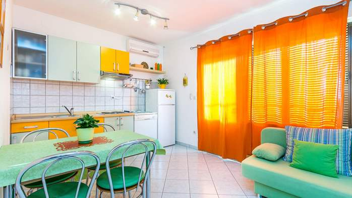 Nice, colorful apartment for 4 persons with two bedrooms, WiFi, 1