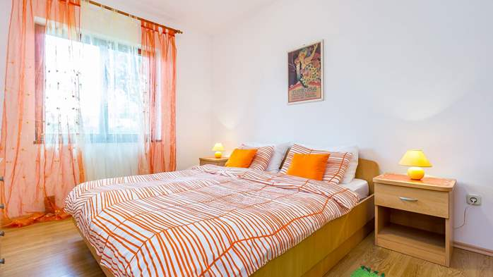 Nice, colorful apartment for 4 persons with two bedrooms, WiFi, 5
