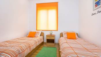 Nice, colorful apartment for 5 persons with two bedrooms, WiFi, 6