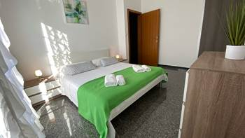 Beautiful apartment for 4 persons in Pula, WiFi, 350 m to the sea, 8