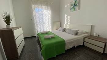 Beautiful apartment for 4 persons in Pula, WiFi, 350 m to the sea, 6