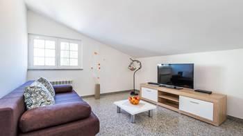 Apartment in Pula, near the sea, bedroom, balcony, WiFi, 1