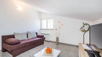 Apartment in Pula, near the sea, bedroom, balcony, WiFi, 2