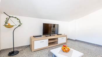Apartment in Pula, near the sea, bedroom, balcony, WiFi, 3