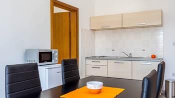 Apartment in Pula, near the sea, bedroom, balcony, WiFi, 7