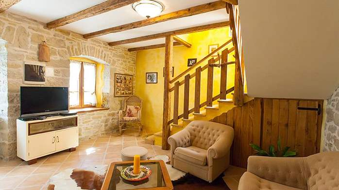 Rustic villa with two bedrooms, private pool, WiFi, BBQ, 20