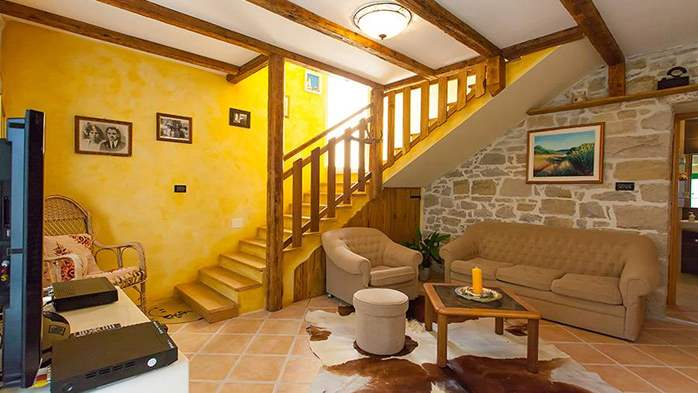 Rustic villa with two bedrooms, private pool, WiFi, BBQ, 22