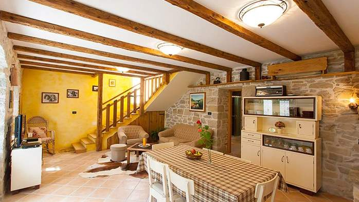 Rustic villa with two bedrooms, private pool, WiFi, BBQ, 23
