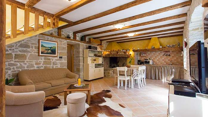 Rustic villa with two bedrooms, private pool, WiFi, BBQ, 32
