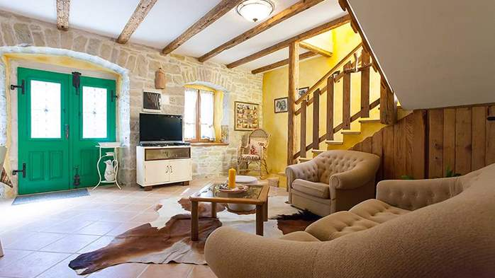 Rustic villa with two bedrooms, private pool, WiFi, BBQ, 34
