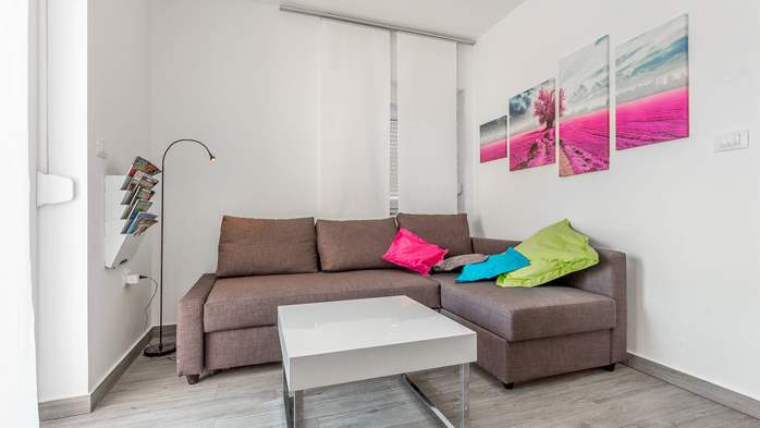 Air conditioned holiday home in Pula, with heated pool, barbecue, 11