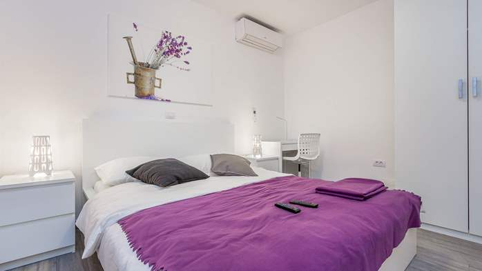 Air conditioned holiday home in Pula, with heated pool, barbecue, 19