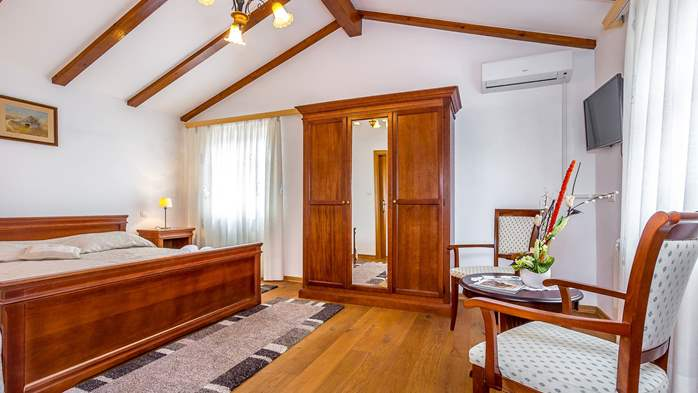 Magnificent room for two persons, bedroom with bathroom, 3