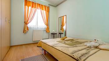 Charming and bright apartment with balcony for 4 persons, WiFi, 2